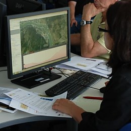 Teilnehmerin am Teachers' Day in der GIS-Station