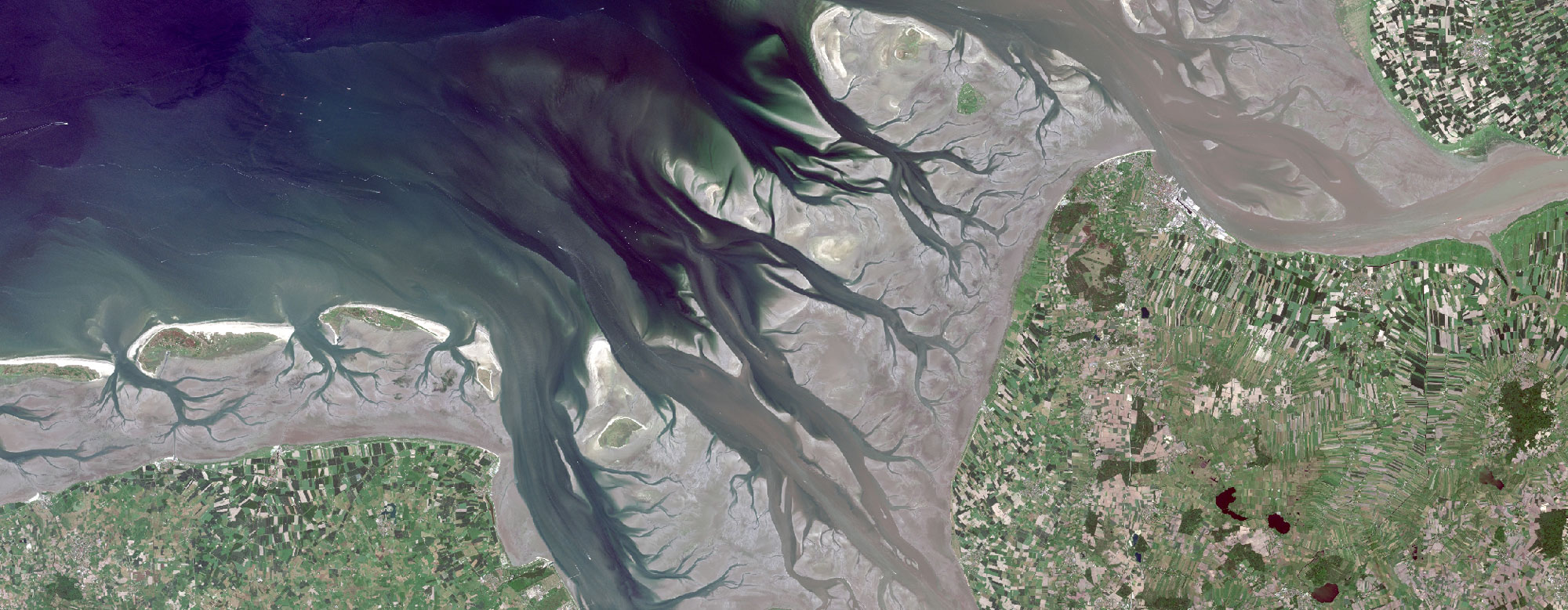Das Wattenmeer bei Hamburg - UNESCO-Weltnaturerbe (c) European Space Agency